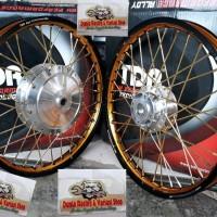 Sepaket velg TDR 2tone ring 17 Beat scoopy Vario 110 vario 125-150 Spa
