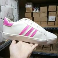 Paling Laris Sepatu Kets Replikas Adidas Putih Plat 3 Fanta / Pink