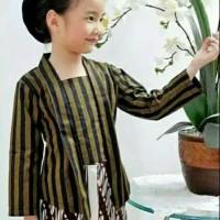 Setelan baju kebaya lurik anak + bawahan jarik perempuan