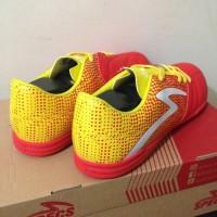 Paling Laku Sepatu Futsal Specs Equinox In Emperor Red Yellow 400711