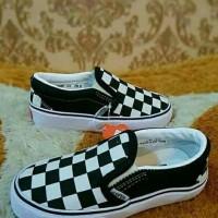 Sepatu Anak Vans Slip On Chekerboard White 21 Sd 35