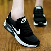 sepatu sneakers wanita nike hitam strip putih sekolah sport olahraga