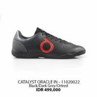 Sepatu futsal ortuseight catalyst oracle in black red