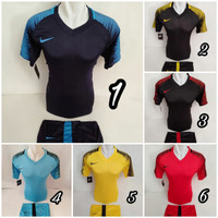 setelan olahraga kaos sepak bola jersey futsal baju volly nike NM