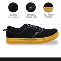 Sepatu vans hitam list coklat