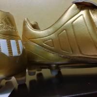 Sepatu Bola Soccer Adidas Predator Mania 2017 Gold FG TERLARIS