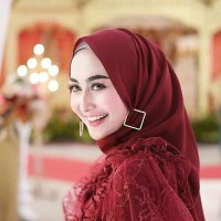 Aksesoris hijab - peniti hijab - anting hijab segi