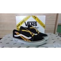 Sepatu Vans Old Skool Off White x Vans Willy Black White Yellow