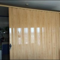 folding door pembatas ruangan bahan plastik anti karat Folding Door