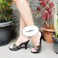 sandal kelom kayu ukir/sandal bakiak ukir/sandal pesta