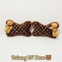 Bantal Mobil Tulang LV Coklat Bear