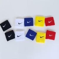 Armband - Wristband Nike Bahan Handuk - Ikat Lengan- penyerap keringat