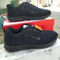 Sepatu Sekolah Nike Air Hitam polos / sneaker sport running