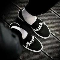 Sepatu Sneakers Vans Slip On Metallica Black White Premium Original