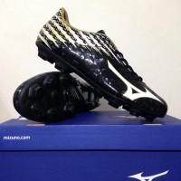 NEW Sepatu Bola Mizuno Basara 104 MD Black White Gold P1GA1
