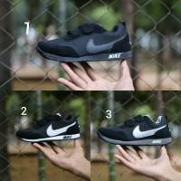 Nike REV size 30 - 37 sepatu anak pria wanita sekolah hitam putih