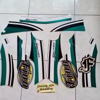 lis body / striping Yamaha Mio Fino Sporty 2013 Hijau Hitam Army green