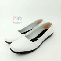 Sepatu Pantofel Wanita Formal Flat Putih Bidan Perawat Dokter AW18