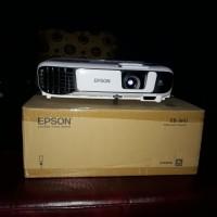 proyektor epson EBW41