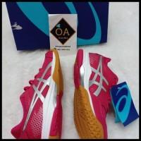 Koleksi Terbaru Sepatu Asics Gel- Rocket 8 Women Running Shoes
