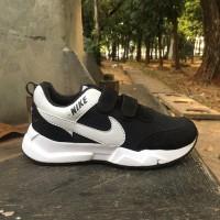 Sepatu sekolah anak hitam Nike laki laki dan perempuan