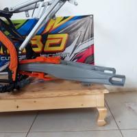swing arm ktm 250 copy original bisa pnp klx 150 dan crf 150 L