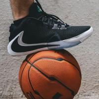 sepatu pria Nike Zoom Freak 1 Black White BNIB