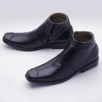 Sepatu Boot Formal/ Boot Pantofel Pria KULIT model Kickers BOOTS01