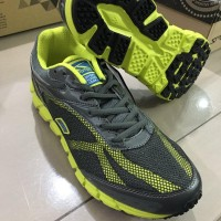 Big Sale Sepatu Running Spotec Dynamo New
