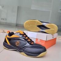 Sepatu Badminton PHOENIX Black Orange Sepatu Olahraga Pria