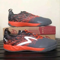 Sepatu futsal specs metasala warrior dark granite signal orange