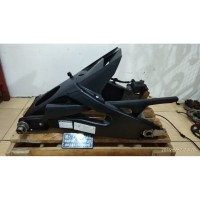 Swing Arm Banana Yamaha R6 Caliper Nissin. R25 Ninja250 CBR250 merapat