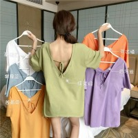 Musim panas desain backless straps atasan t shirt wanita lengan