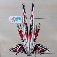 Sticker Striping Motor Honda Revo Fit FI 2015 Merah
