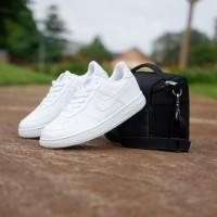 Nike Airforce 1 sepatu sneakers sepatu wanita sepatu putih polos