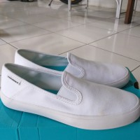 Sepatu Converse Slip On warna putih uk. 36
