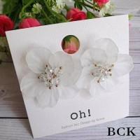 Anting Wanita Cantik Fashionable - Bunga Besar Putih Transparant BCK