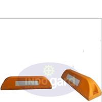 Wheel Chock, Penahan/ Ganjalan Roda, Wheel Stopper, Pembatas Parkir