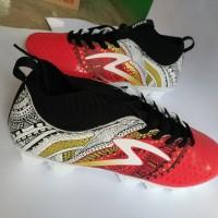 Sepatu Bola Specs Heritage Emperor Red Gold White Original Promo la