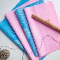 Mat alas adonan fondant 50x40cm bahan silicon ready warna pink - Merah Muda