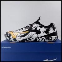 Sepatu Futsal Mizuno Basara Sala Pro IN White Gold Black Q1GA193109