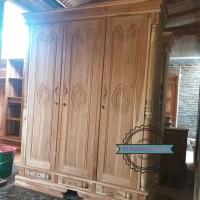 Lemari pakaian kayu jati mentahan pintu 3 ukir Jepara