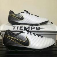 Sepatu Bola Nike Tiempo Legend VII Black Orange/orange/Light Armory bl