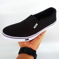 Sepatu vans slop tanpa tali warna hitam / sepatu sekolah kerja santai