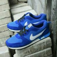 Sepatu nike md runner / Biru dongker / Nike wafle trainer