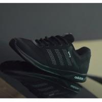 Sepatu sekolah hitam polos adidas springblade