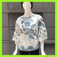 Melonmint Blouse / Atasan Batik Wanita Warna Krem Motif Bunga Biru