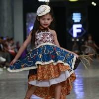Gaun lurik anak etnik glamour / baju fashion show etnik