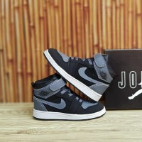 sepatu anak nike jordan 1 hitam/grey