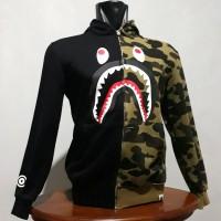 HOODIE BAPE ZIP SHARK HALF BLACK & CAMO GREEN UKURAN M